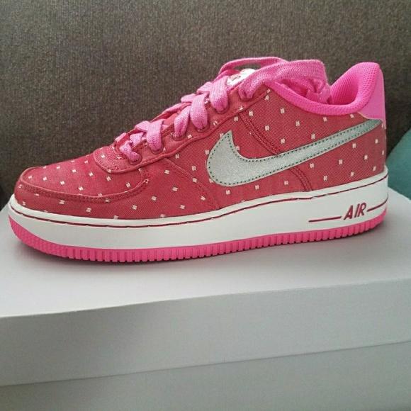 3672821b6ead Nike Air Force 1 Sneakers Gift Deadstock
